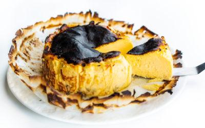 【カフェ ラ・ボエム白金】薪釜で焼いた絶品バスクチーズケーキ、好評販売中!